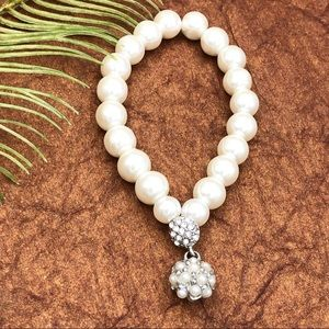 🍀CLOSEOUT🍀 Simple Pearl Bead Stretch Bracelet